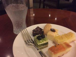 20180811_OkinawaMarriott_LoungeSweets3